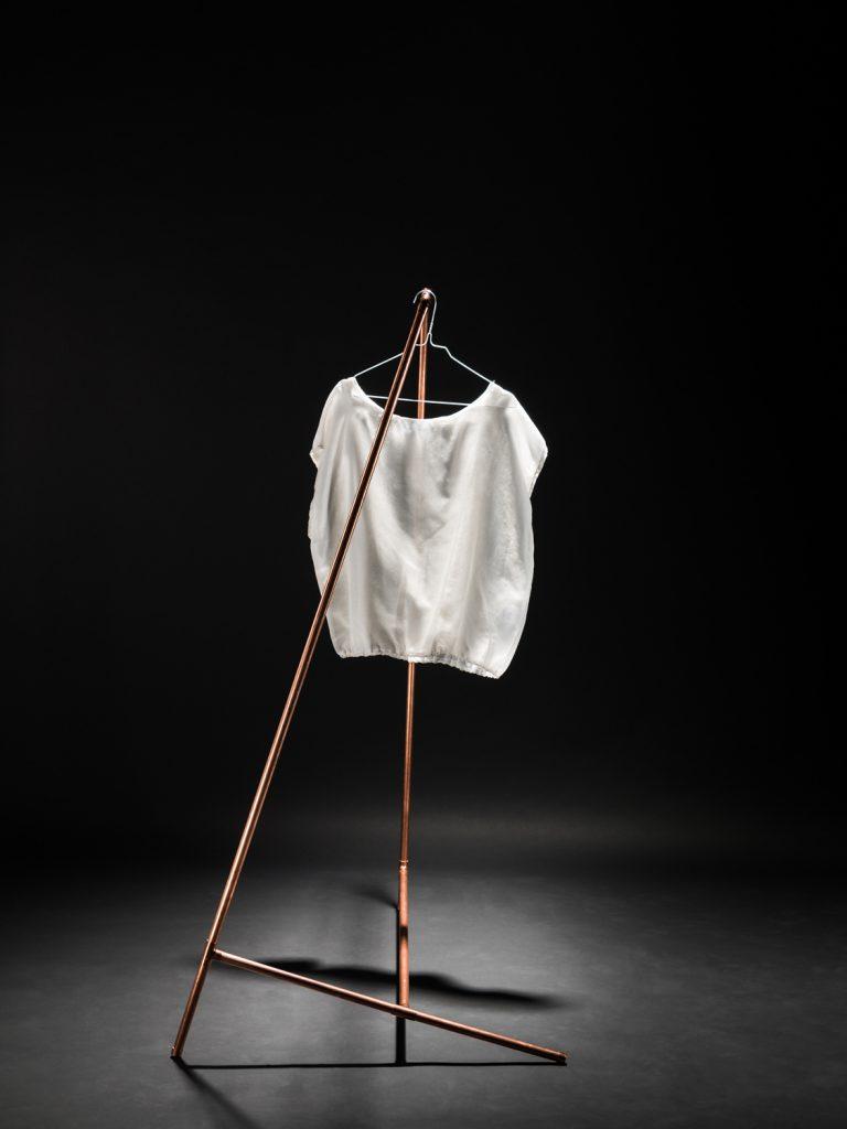 Kleiderständer mit Bluse